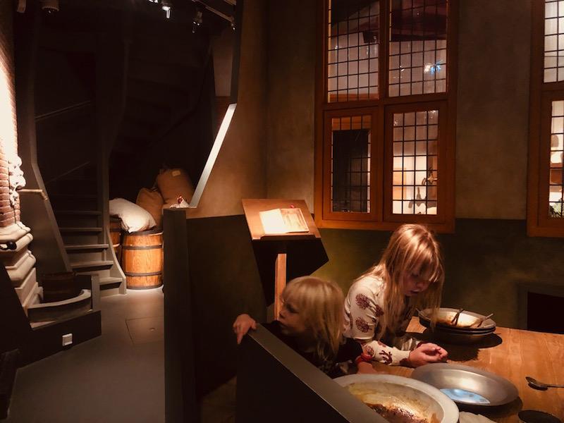 AMSTERDAM MUSEUM – AMSTERDAM