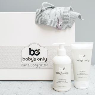 Een heerlijke verzorgingslijn met natuurlijke bestanddelen (oa kamille) voor de allerkleinsten; Baby's Only lanceert de 'Hair & Body' giftset.