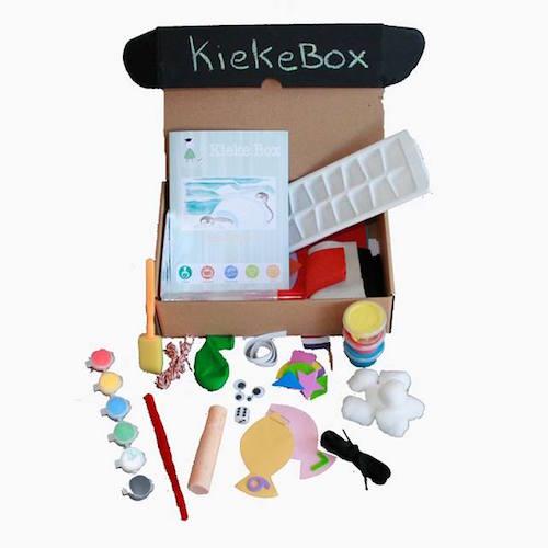 Kiekebox is de leukste manier om spelen en leren te combineren. Ontvang iedere maand een box thuis!