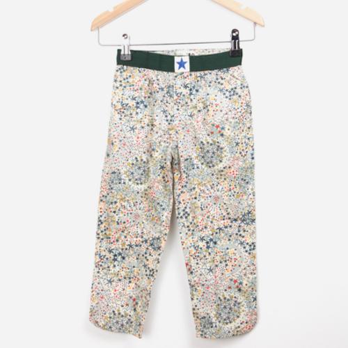 Wow deze mooie pyama broek is letterlijk om 'in weg te dromen'. Verkrijgbaar bij Pomme de Jus.