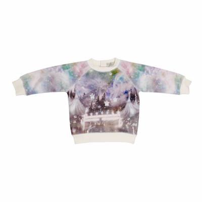 Voor alle knappe baby girls, deze mooie Stella McCartney sweater via Store of Daydreams.