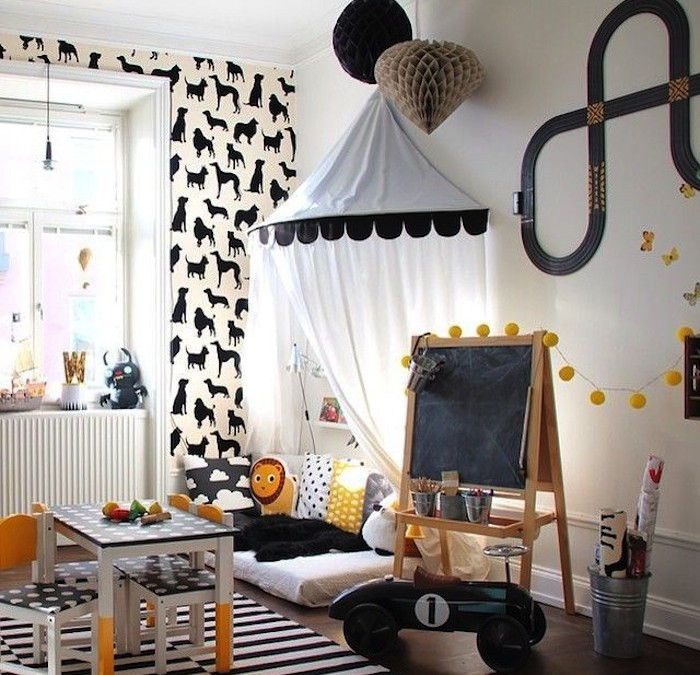 10 Happy Playrooms