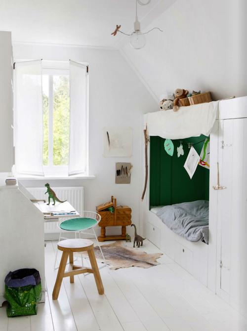 Kidsroom with woodenfloor