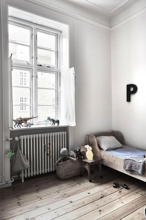 Kidsrooms with woodenfloor 1