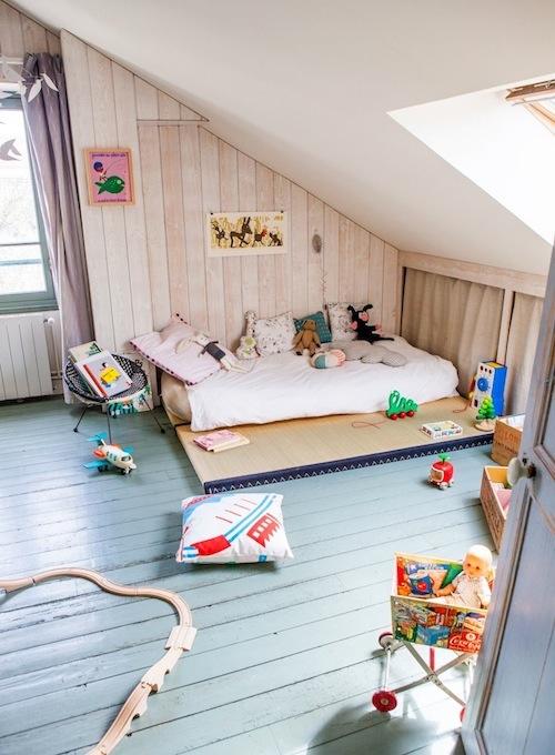 Kidsrooms with woodenfloor 5
