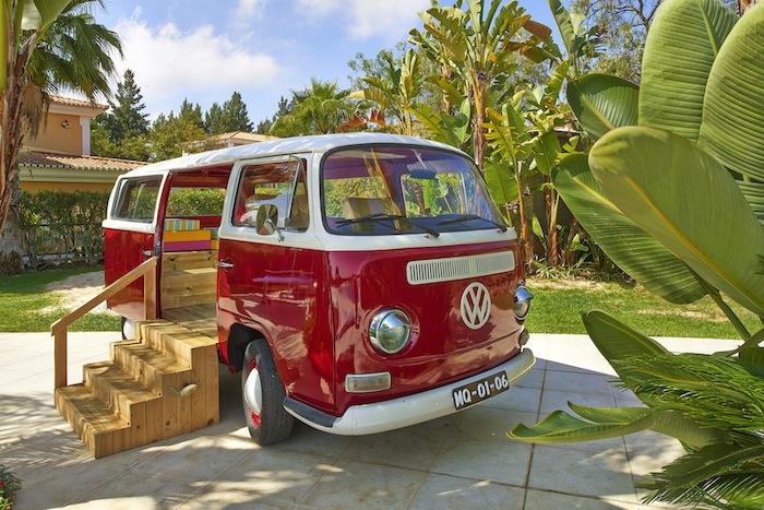 Pool-Hangout-VW