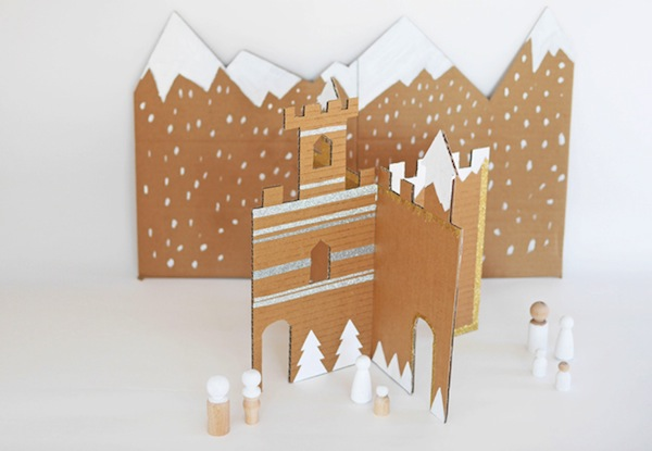 DIY-winter-cardboard-castle-by-La-maison-de-Loulou