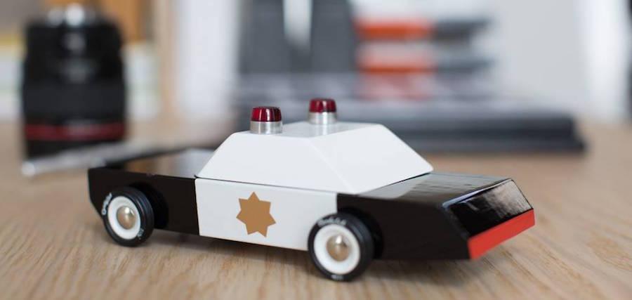 candylab-houten-speelgoedauto-police-cruiser-candy