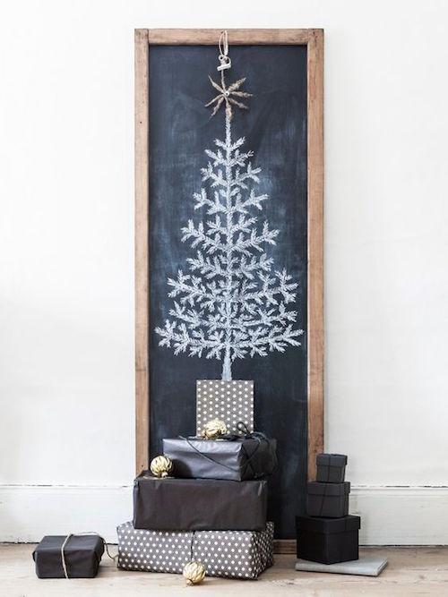 2-kerstboom-op-een-krijgtbord-getekend