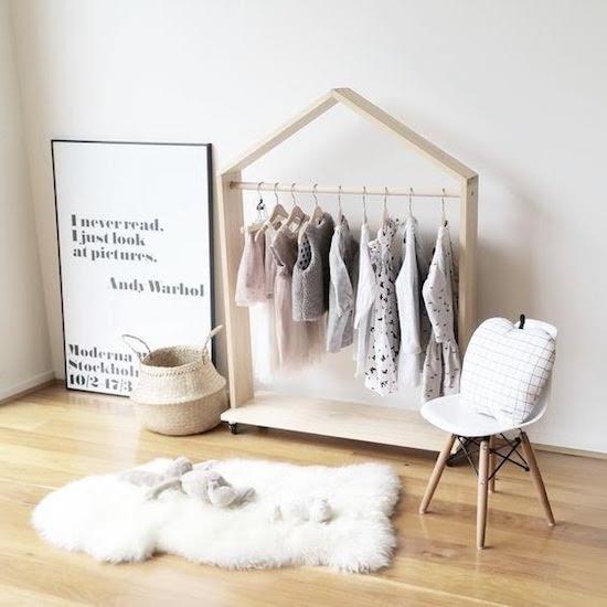 de-leukste-manieren-om-kleding-op-te-hangen-in-de-kinderkamer-1