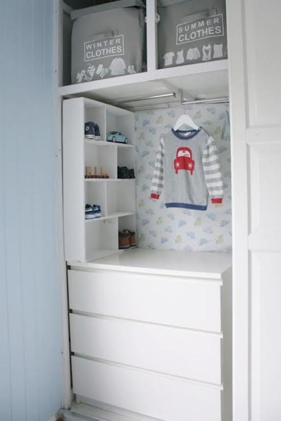 de-leukste-manieren-om-kleding-op-te-hangen-in-de-kinderkamer-12