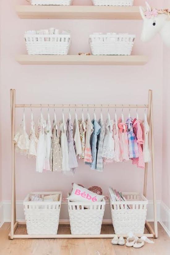 de-leukste-manieren-om-kleding-op-te-hangen-in-de-kinderkamer-6