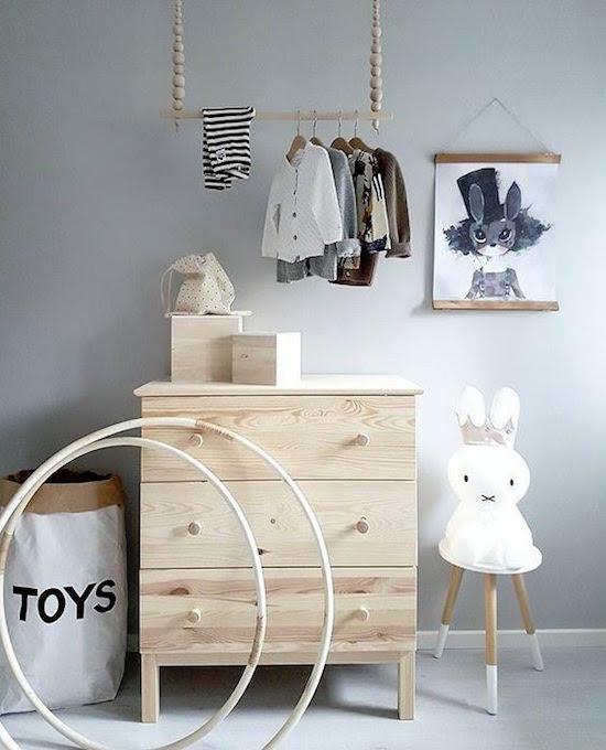 de-leukste-manieren-om-kleding-op-te-hangen-in-de-kinderkamer-7