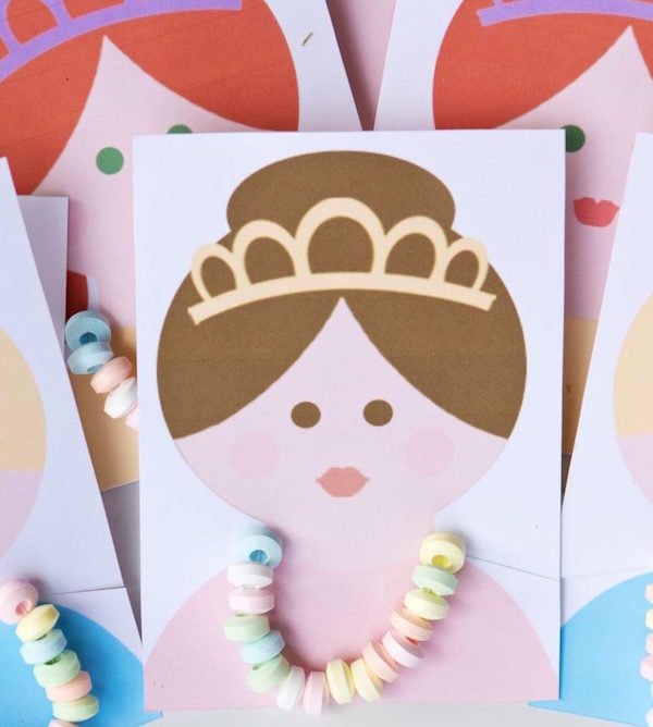 http::fivemarigolds.com:2014:07:31:princess-party-favors-candy-necklace-cards: