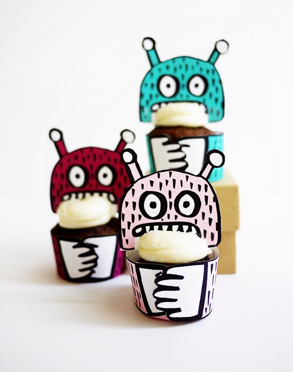 Geen zin om te klussen, print dan deze cupcake holders op OhHappyDay.com uit