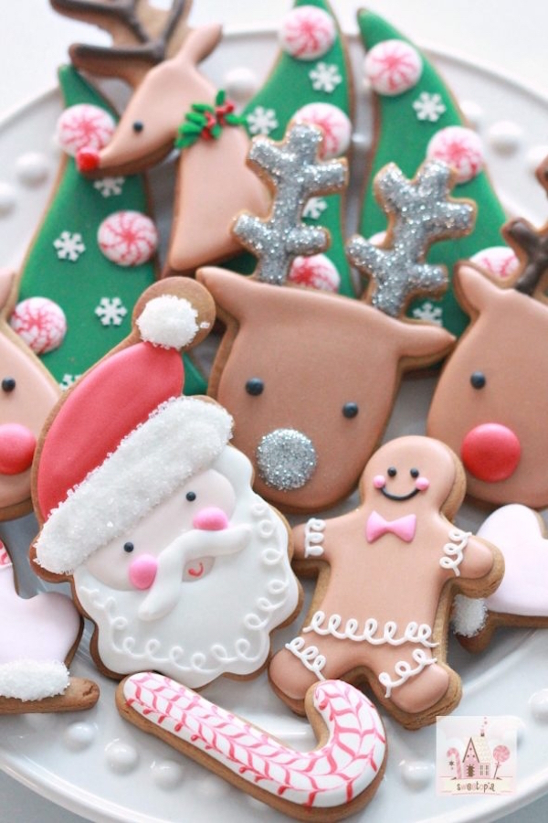 sweetopia.net:2016:11:video-how-to-decorate-christmas-cookies-simple-designs-for-beginners: