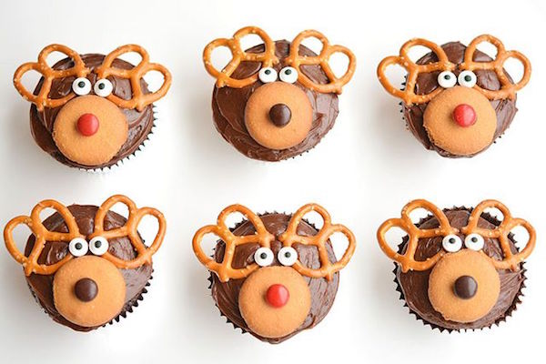 www.bloglovin.com:blogs:one-little-project-one-little-project-6544707:easy-reindeer-cupcakes-4652450645