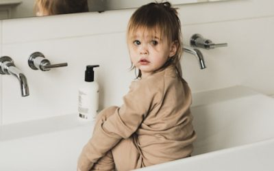 "JENEST; KIDS LOUNGE & NIGHTWEAR VOOR ""JE NEST"""
